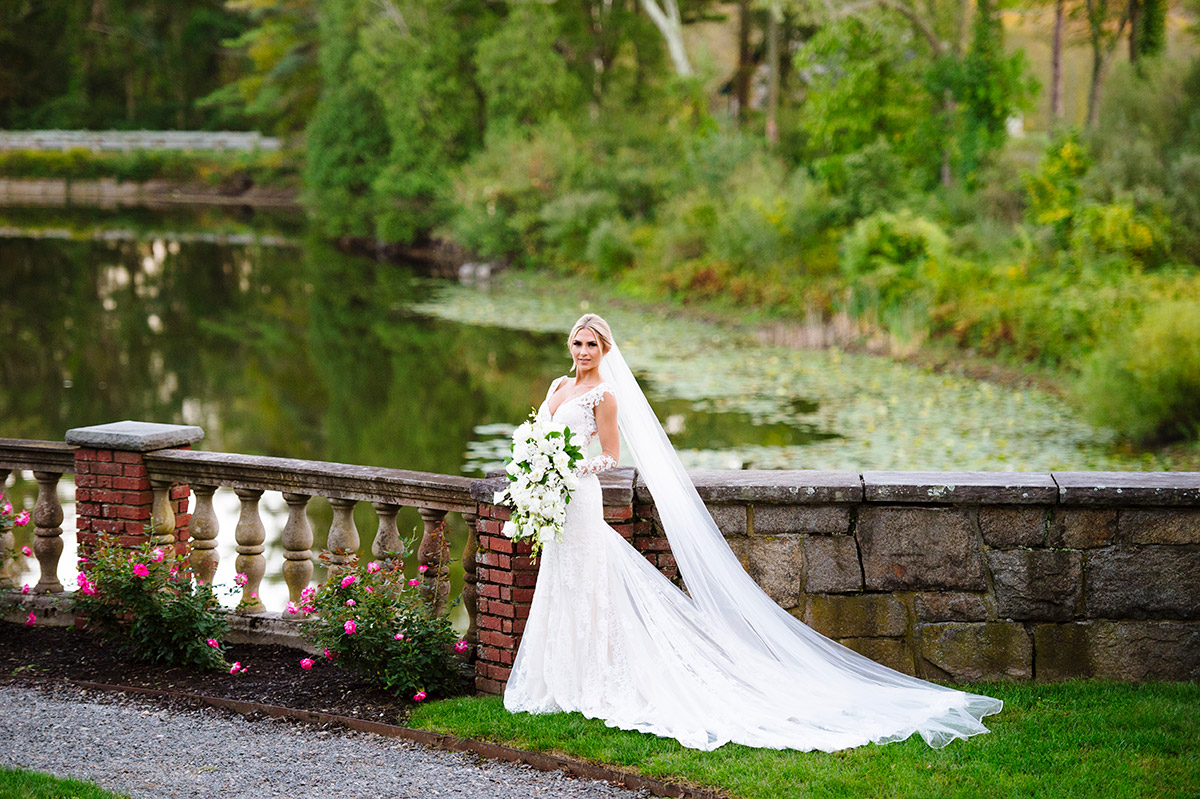 Bridal portrait at The Mansion on Turner Hill